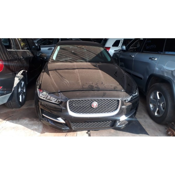 Sucata Jaguar XE 2014 - Carro batido para venda de peças