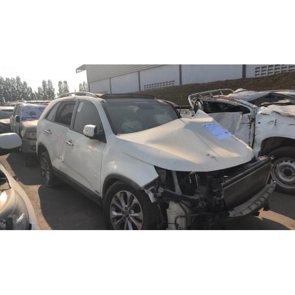 Sucata Kia Sorento 2015 - Carro Batido para Venda de Peças