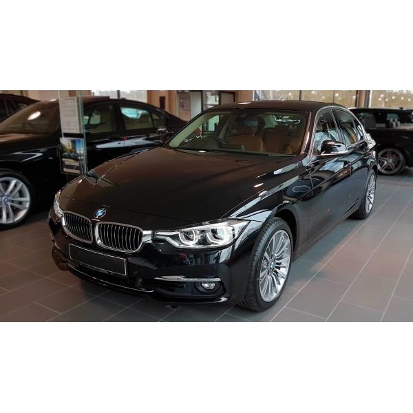 Sucata BMW 320 2017 - Carro batido para venda de peças