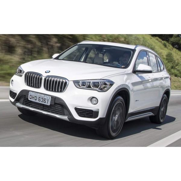 Sucata BMW X1 2017 - Carro batido para venda de peças