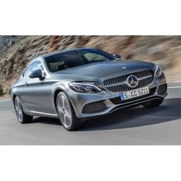 Sucata Mercedes C200 2017  - Carro batido para venda de peças
