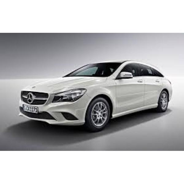Sucata Mercedes CLA200 2016 - Carro batido para venda de peças